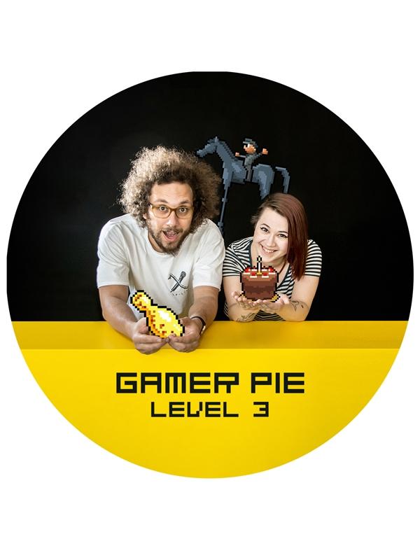Přívěšek s otvírákem Gamer Pie - Level 3 (56mm) (PC)